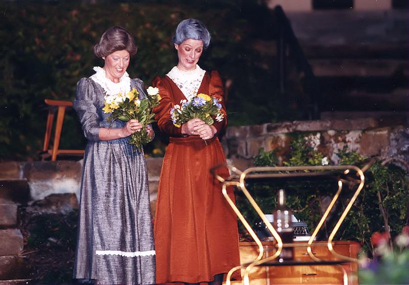 Arsen und Spitzenhäubchen 1998